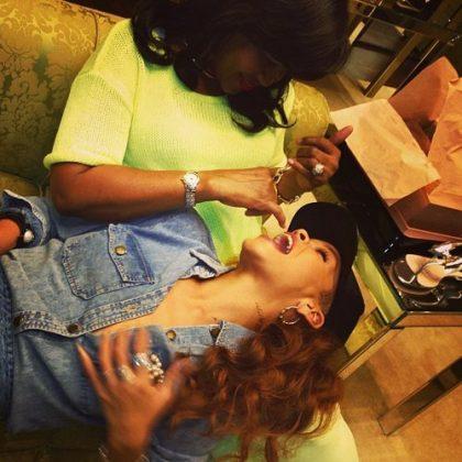 Rihanna mãe Monica