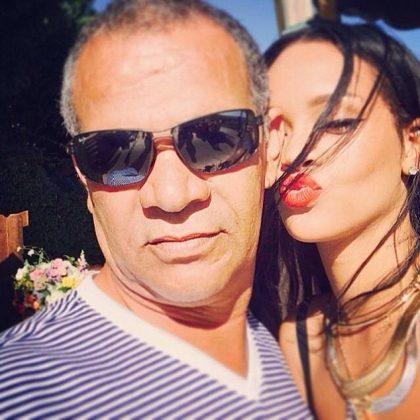 Rihanna pai Ronald Fenty