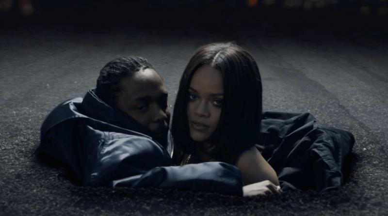 Rihanna no clipe de Loyalty